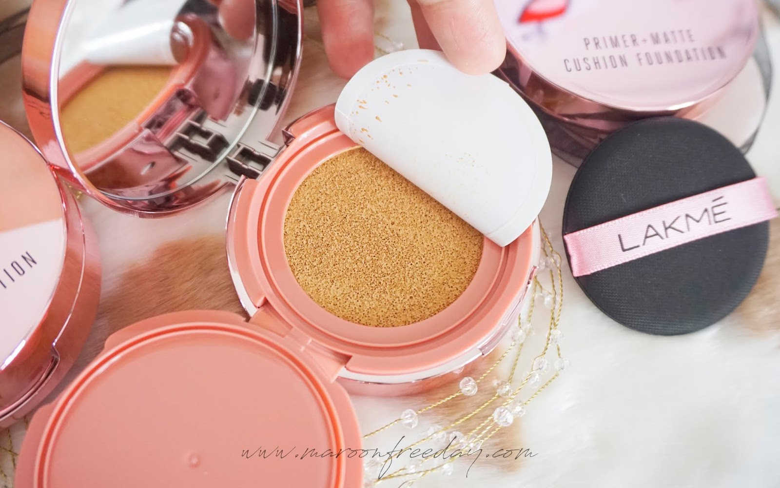 Shade Lakme Primer Matte Cushion Foundation