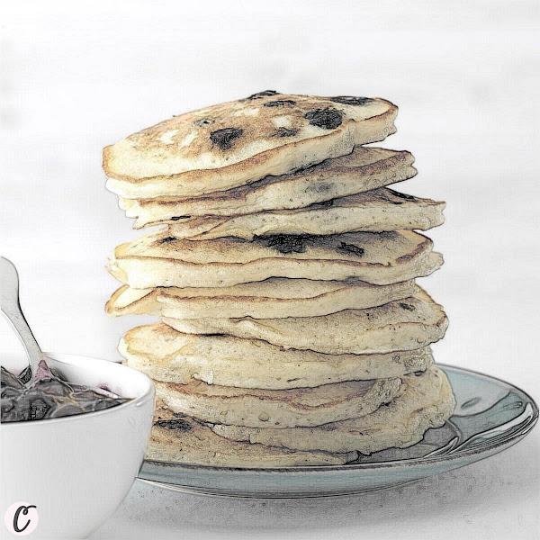 Blueberry Sour Cream Pancakes 🥞
