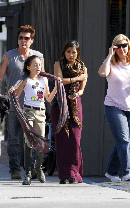 TeenCelebBuzz: Brenda Song: Lunch With The Cyrus Family