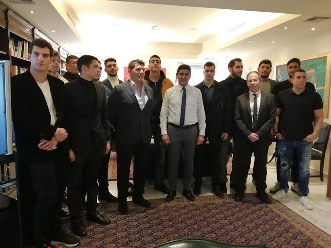Γέμισε «χρυσάφι» το Υφυπουργείο Αθλητισμού! Υποδοχή των Παγκόσμιων Πρωταθλητών Νέων στο πόλο