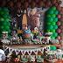 Masha e o urso numa decoração de festa para meninos!