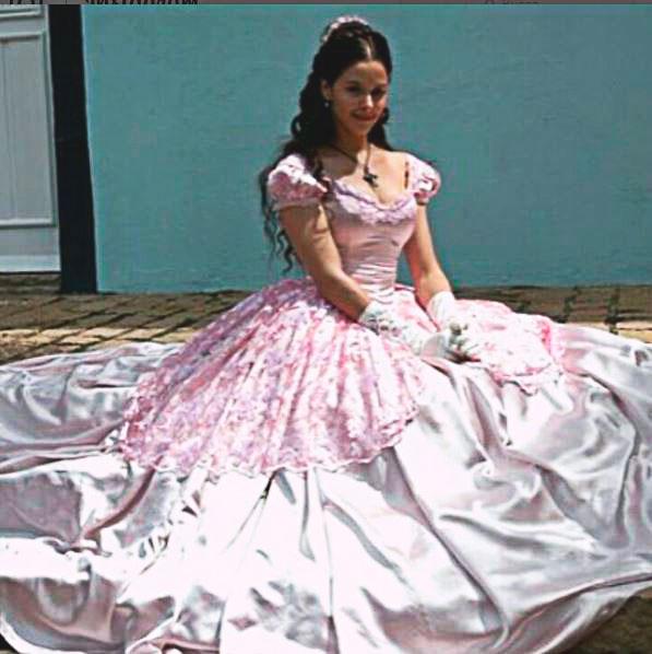 Isaura (Bianca Rinaldi) vestido rosa