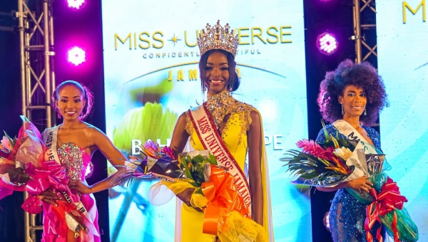 Miqueal-Symone Williams es Miss Universe Jamaica 2020
