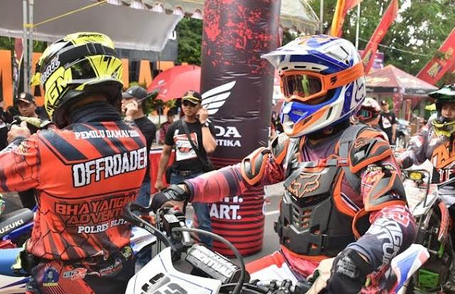 Crosser Jawa Timur Lirik Event Trail Adventure Challenge 2019 Di Selayar