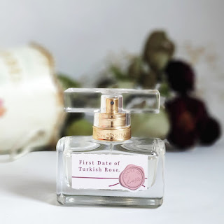 yazın kullanılacak parfümler, sonbahar kadın parfümleri, çiçeksi parfümler, gül kokusu, türk gülü parfümü