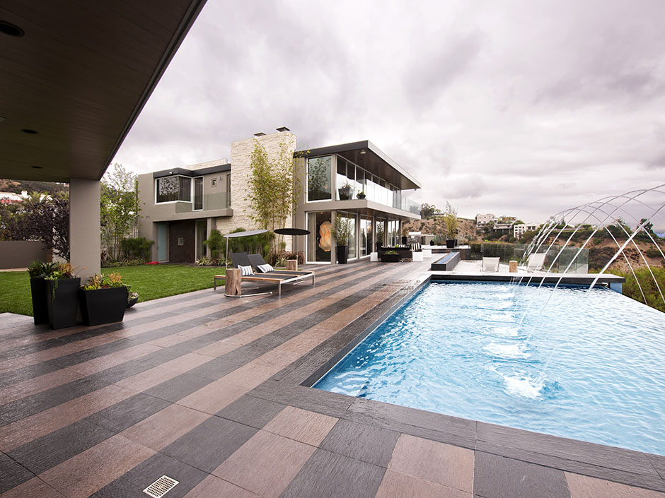 Picture Of The Large Terrace With Swimming Pool And Fountains Guest House