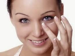 Tips Menjaga Kesehatan Mata di Depan Televisi