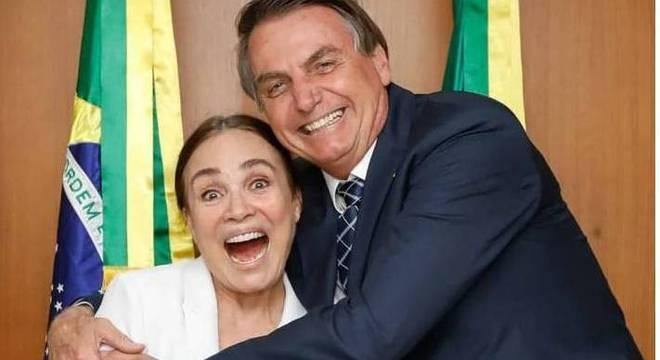 """Globo anuncia fim do contrato com Regina Duarte e atriz declara: """"honrar meus aprendizados em benefício do meu país"""""""