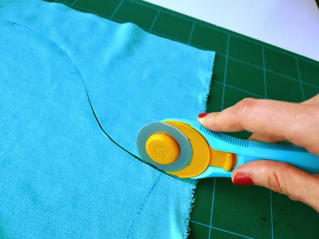 Tilly And The Buttons How To Cut Knit Fabric