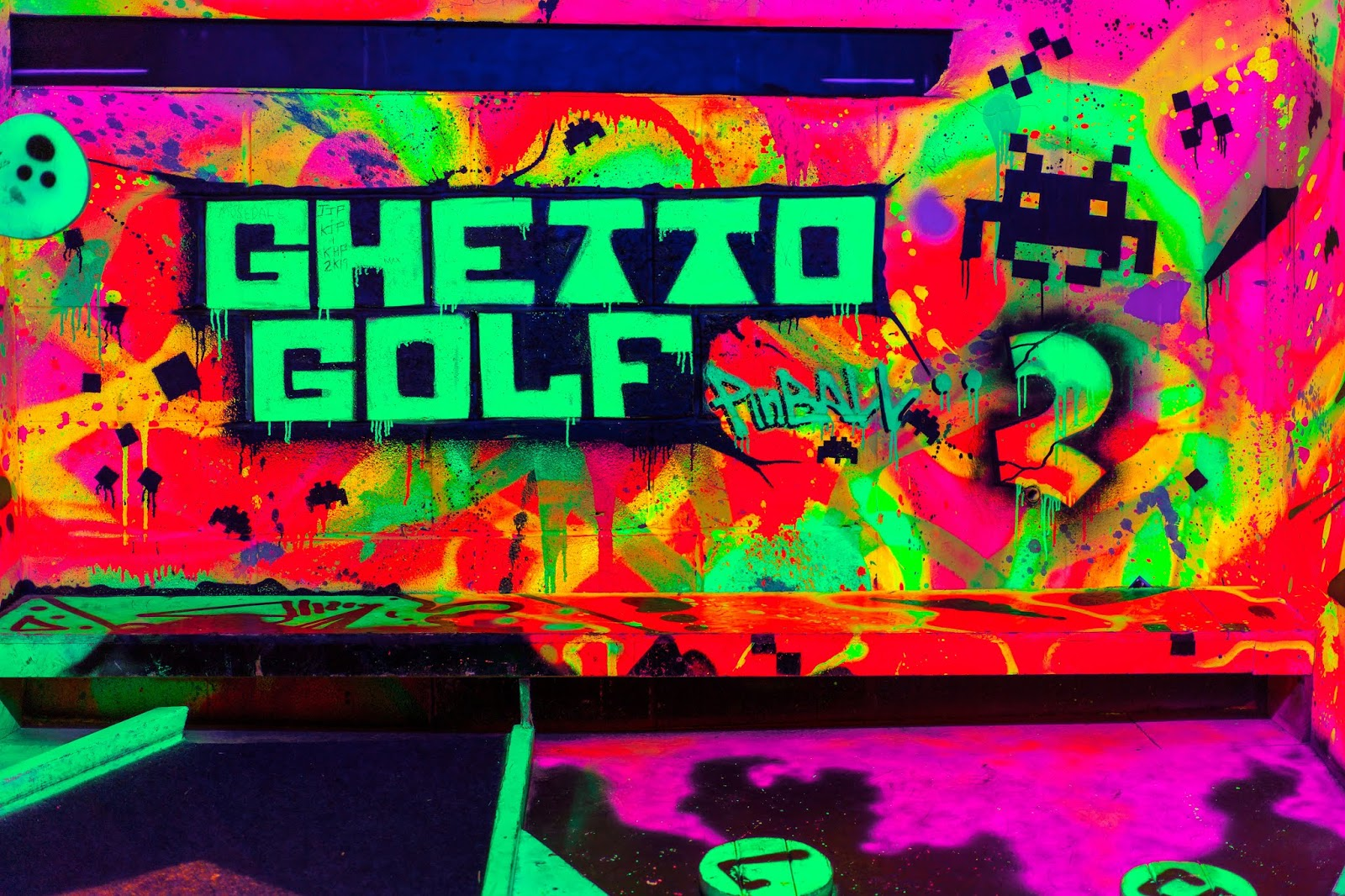 What to do in Birmingham Ghetto Golf Review by Birmingham lifestyle and travel blogger Iga Berry