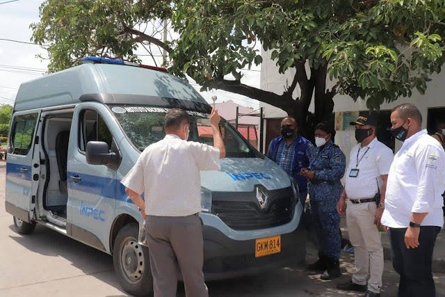 hoyennoticia.com, En Riohacha INPEC donó nuevo vehículo para trasladar reclusos