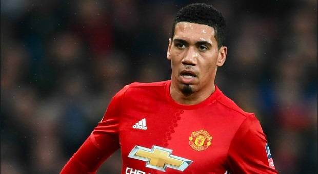 Chris Smalling Setuju Bergabung ke AS Roma