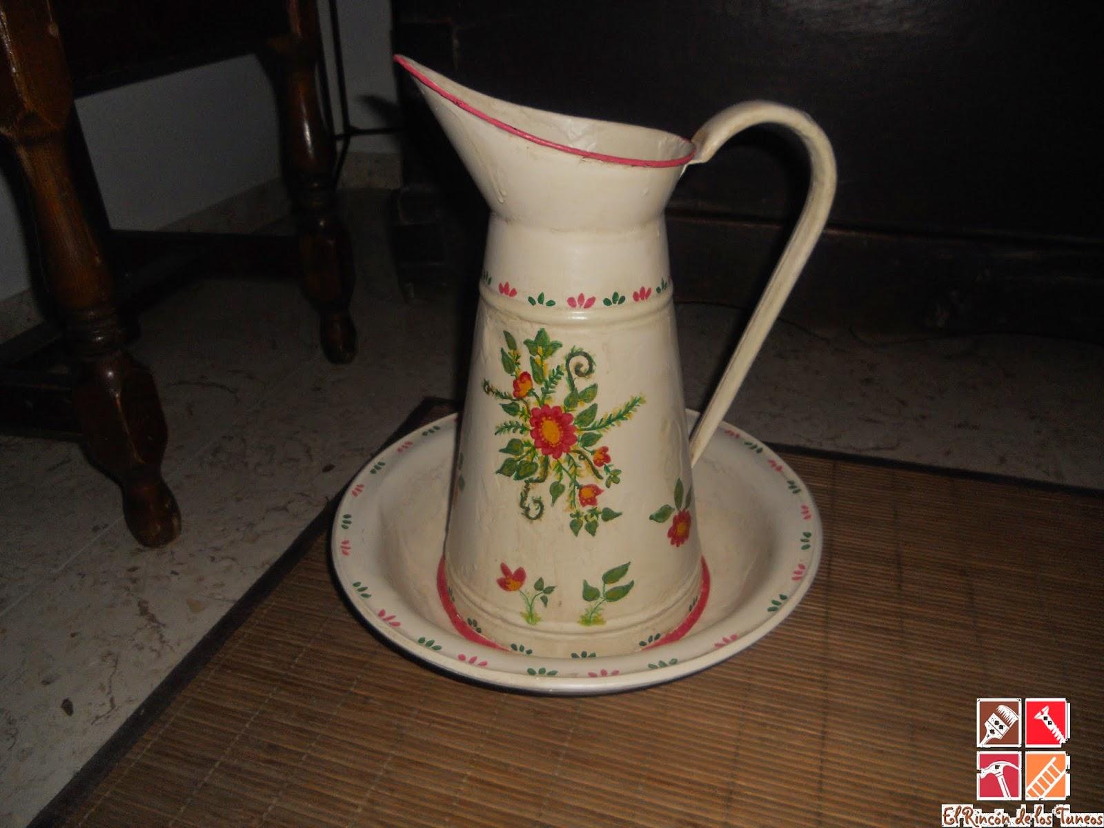 conjunto de jarra y palangana  decorada a mano