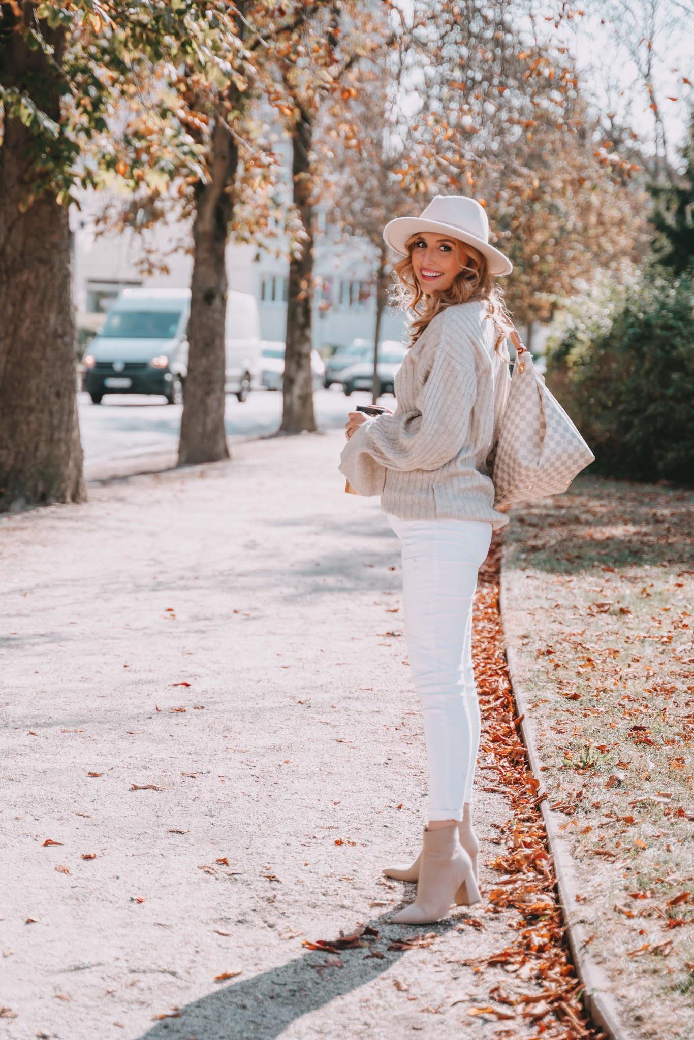 ein-edles-Outfit-in-creme-Tönen-