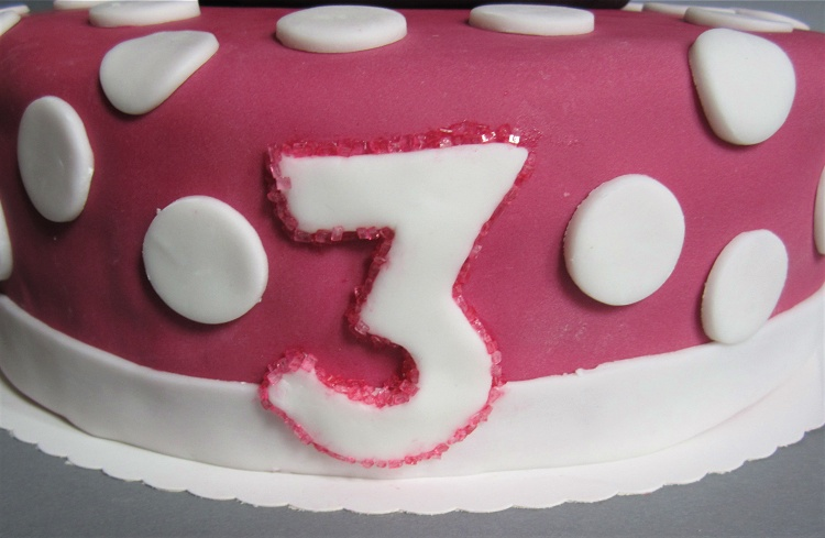 Minnie Mouse Torte 2