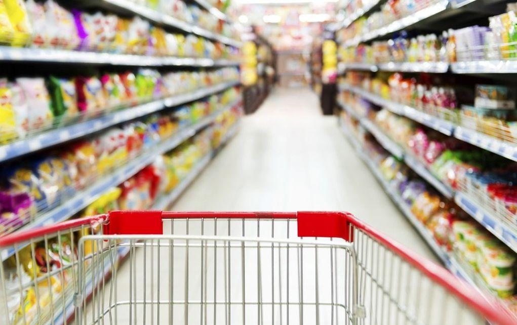 Αυξάνονται καθημερινά οι τιμές σε καύσιμα και τρόφιμα