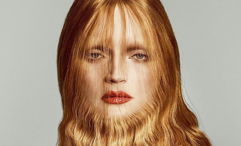 Fotografia di fotomodella con barba su Vogue dedicata a Mina.