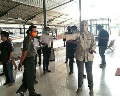 Pelakuan Sama Bupati Dan Dandim 0824 Sebelum Masuk Area Stasiun , Memperketat Screening Penumpang KAI