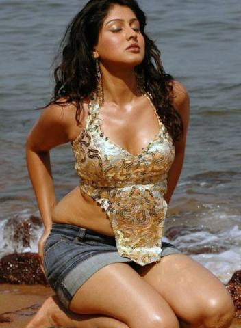 Actress Sheryl Pinto Hot Sexy Navel and Thigh Show Photos Collection Navel Queens