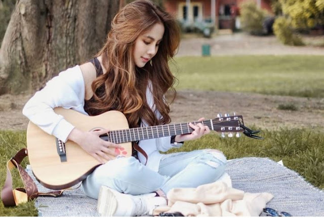 Chord Gitar Lebih Baik Darinya - Agatha Chelsea.