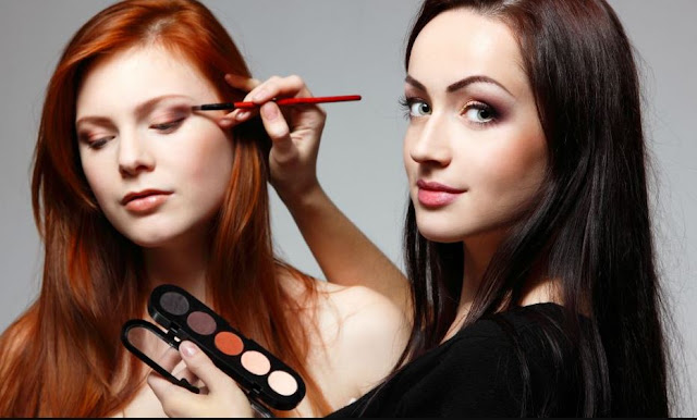 How To Succeed As Makeup Artist