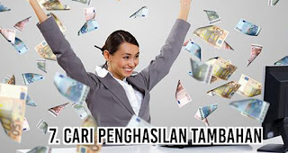 Cari penghasilan tambahan merupakan salah satu tips menghemat uang agar akhir bulan tetep oke