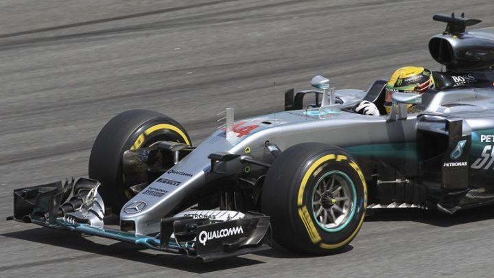 Ο Χάμιλτον την pole position στο γκραν πρι της Σιγκαπούρης