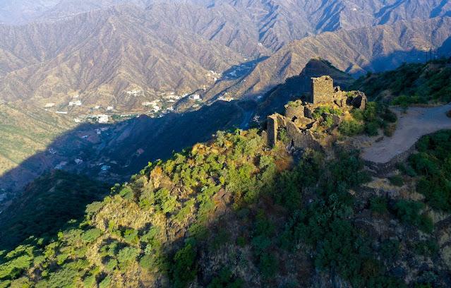 #Saudi Wealth Fund Commits $3 Billion to Build Mountain Resort - Bloomberg