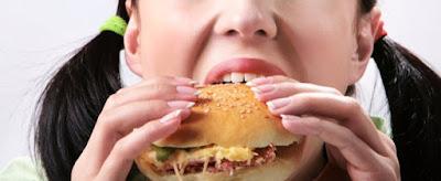 Cine y Pediatría (453). ?Sobrealimentados y desnutridos?, dos formas de malnutrición