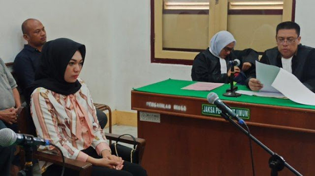 Hati-Hati Tagih Hutang Lewat Sosial Media, Bisa Dituntut 2 Tahun Penjara Seperti Wanita Ini