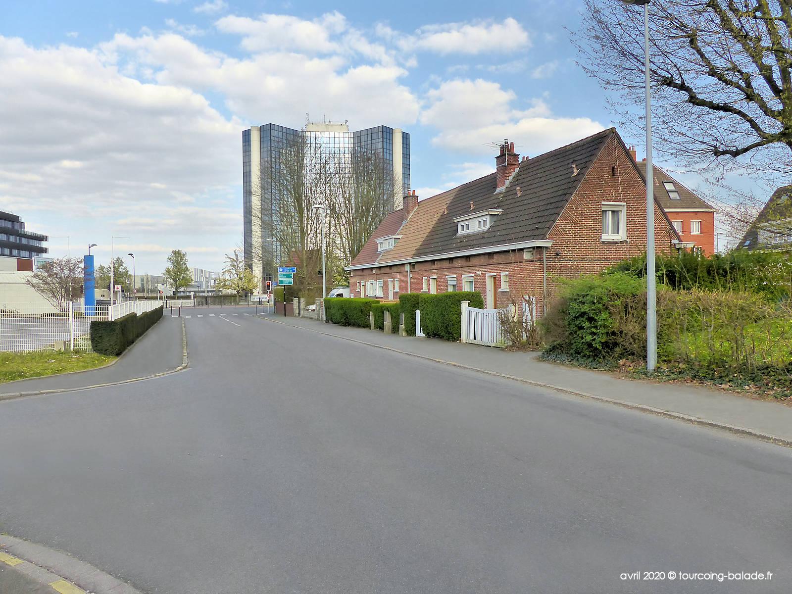 Rue du Canal, Tourcoing - Tour Mercure