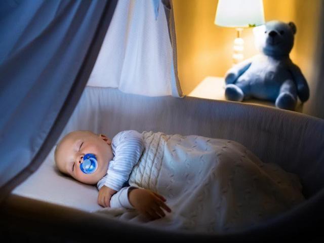 Giải đáp thắc mắc từ A đến Z về đèn ngủ cho trẻ sơ sinh