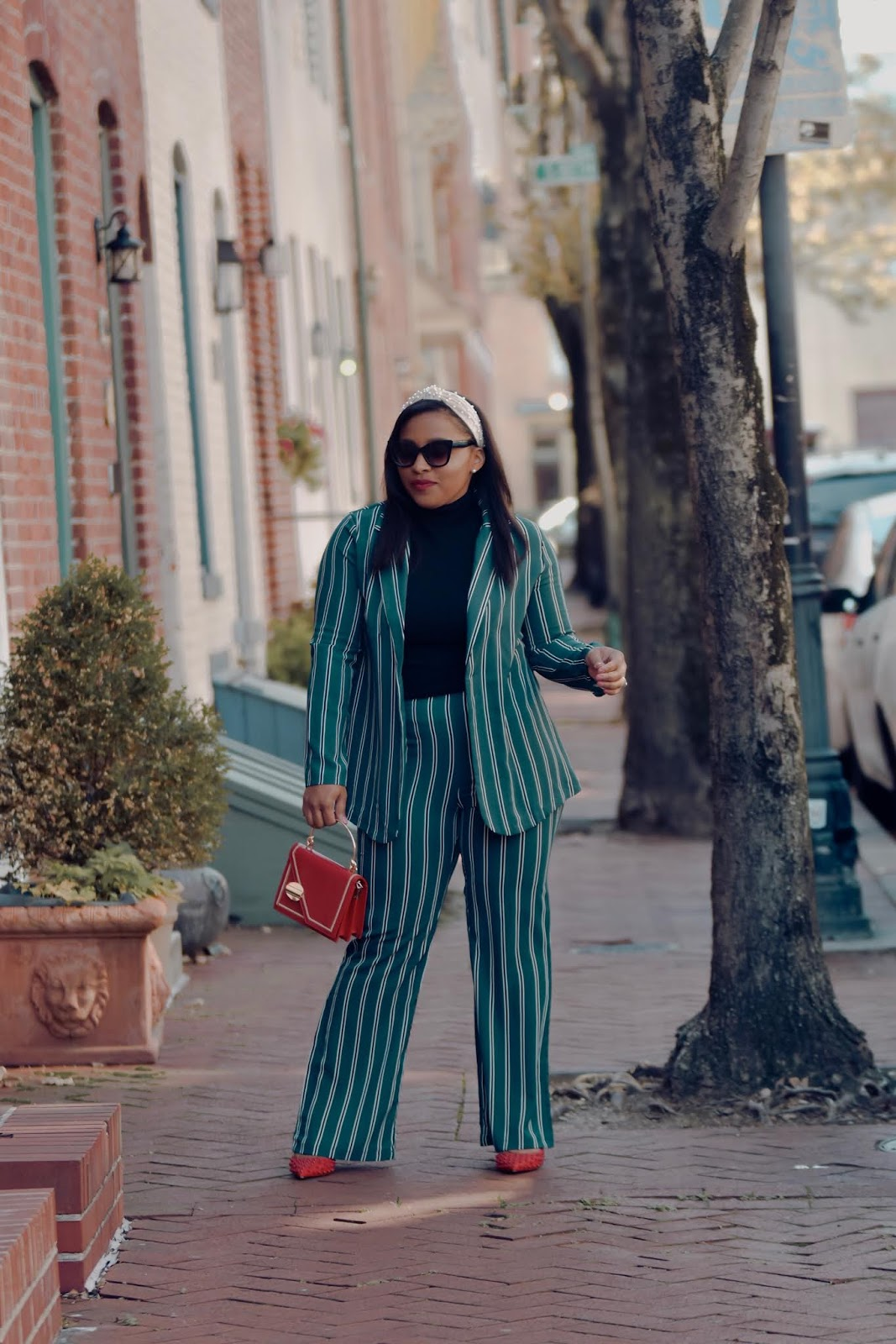 women suit, women blazer, shein, shein reviews, stripped suit, chic outfit ideas, holiday outfit ideas, office party outfits