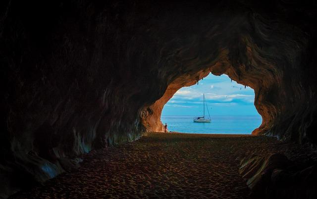 Italy Travel Guide Sicily or Sardinia?