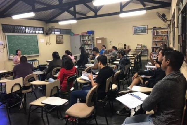 Inscrições abertas para Cursinho Pré-Vestibular Gratuito Online para estudantes de escolas públicas