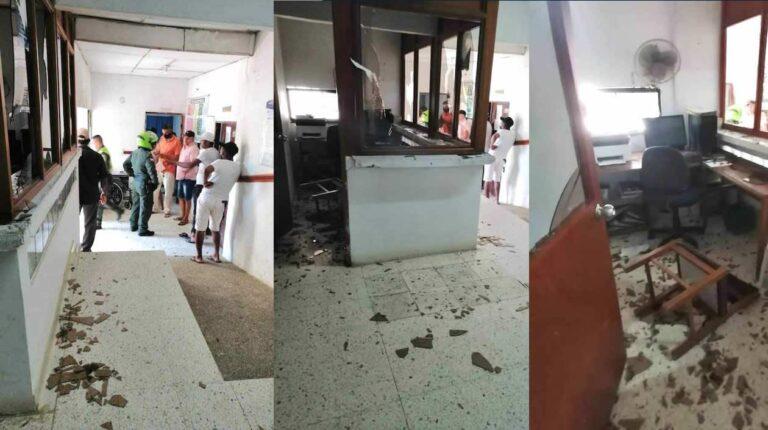 Destrozos en el hospital de Piojó causaron familiares de paciente que falleció
