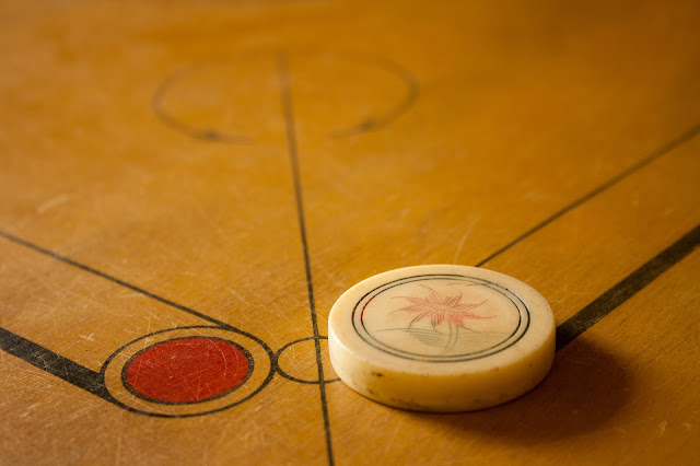 Replacing the carrom board striker