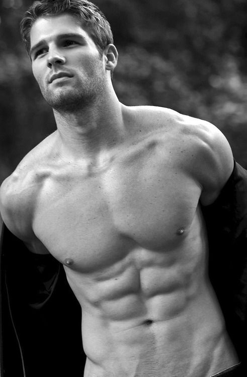 handsome-shirtless-sixpack-male-model-black-white-photography