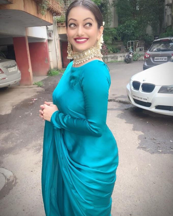 Manasi Naik Beautiful pics in Saree 🔥