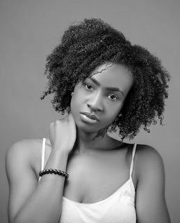 ANTOLECKY WOWS IN BLACk AND WHITE PHOTO