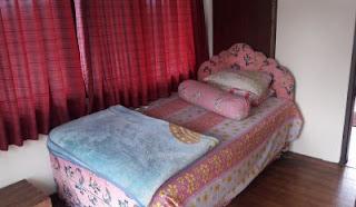 Tempat tidur terbuka