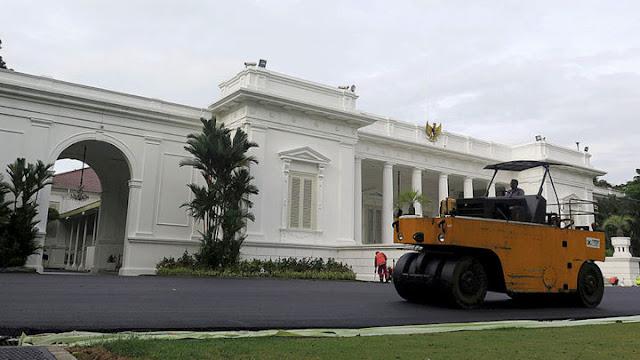 Jokowi Bahas Strategi Pemenangan 2019 dengan PSI di Istana Merdeka, Warganet: Tak Pantas!