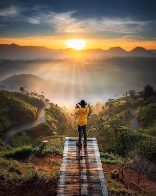 Menikmati Eksotisnya Golden Sunrise Di Sunrise Point Cukul Pangalengan Kabupaten Bandung