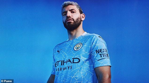 """Man City ra mắt """"bộ cánh"""" mới độc đáo, dùng ngay ở đại chiến FA Cup 3"""
