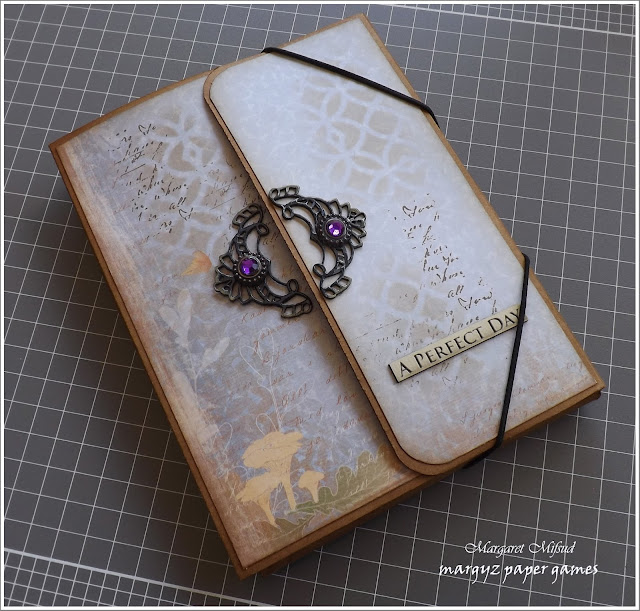http://margyspapergames.blogspot.com.au/2016/10/photo-folio-step-by-step-tutorial-part-2.html