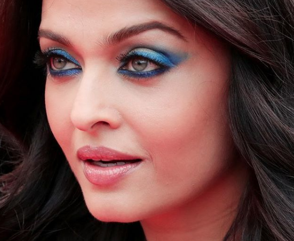 GET THE LOOK: Aishwarya Rai's Blue Smoky Eyes at the ...
