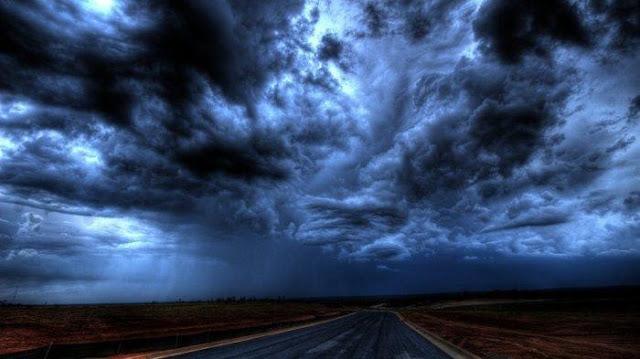 Tips Waspadai Cuaca Ekstrem saat Liburan Akhir Tahun