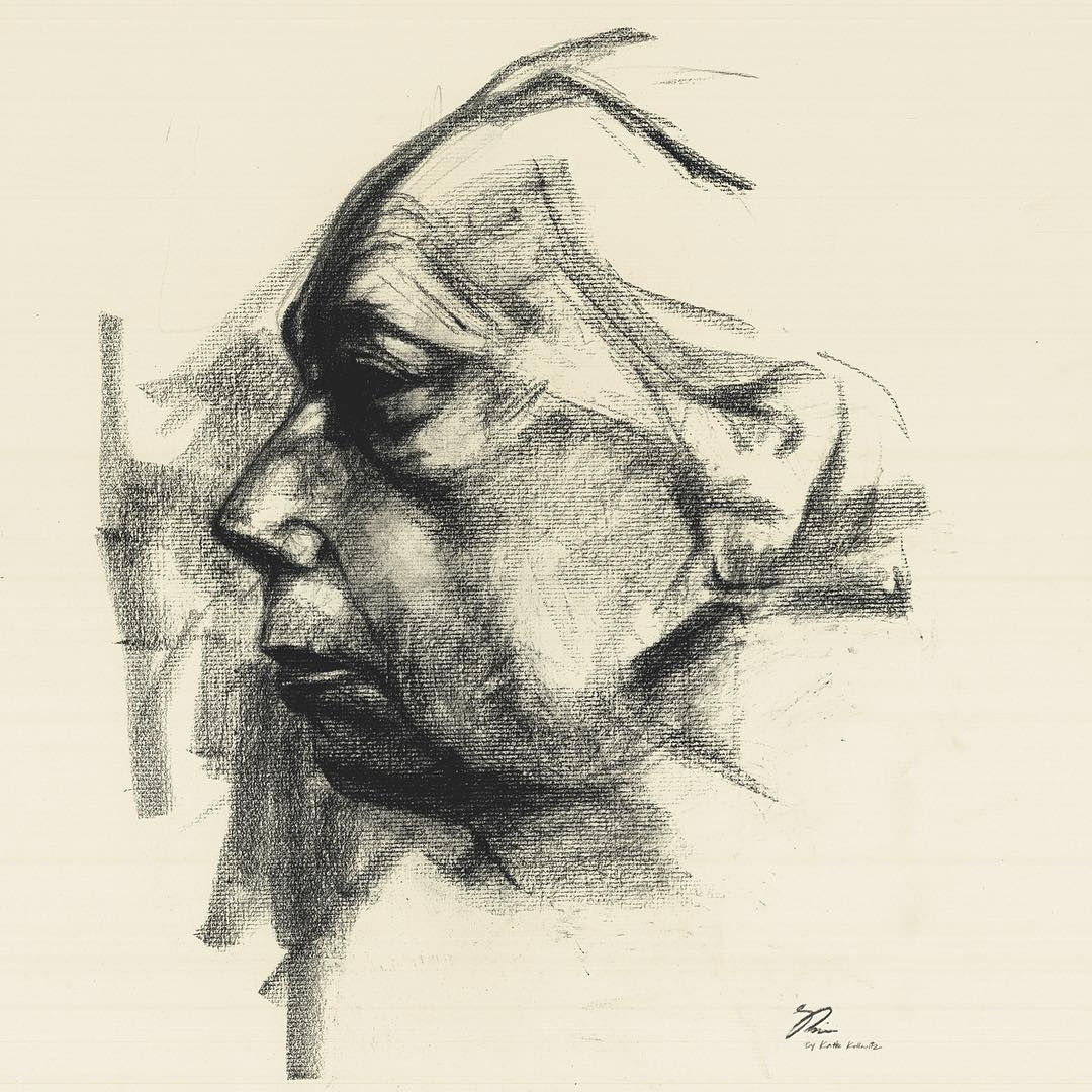 09-Shima-Rabiee-Charcoal-Portraits-that-Distil-the-Forms-that-make-us-Human-www-designstack-co