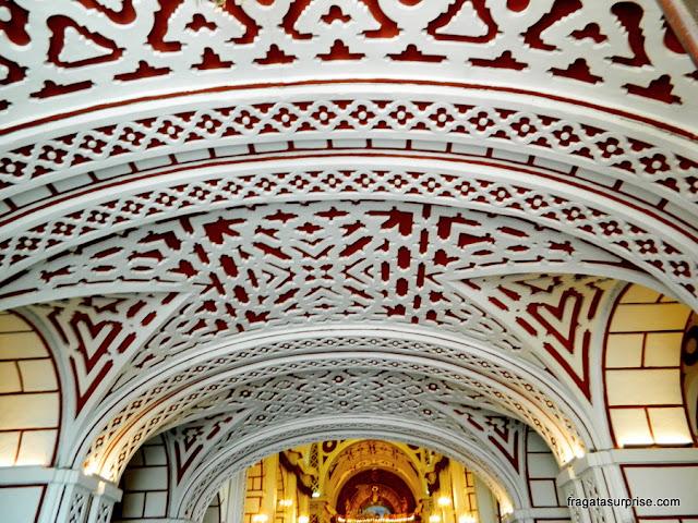Decoração do forro da Igreja de São Francisco, Lima, Peru