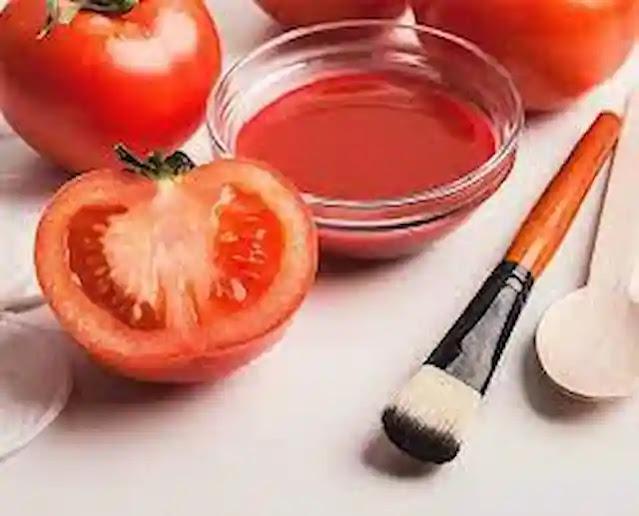 طريقة تبييض الاسنان بالطماطم.